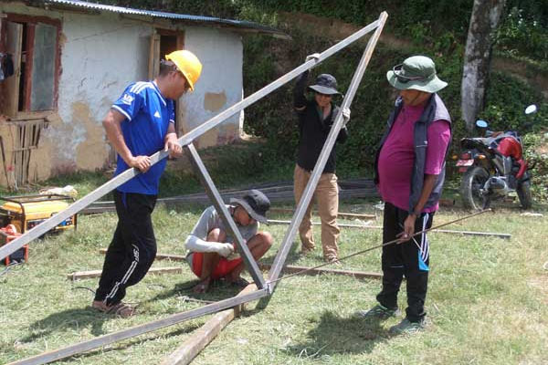 Nepal earthquake relief construction